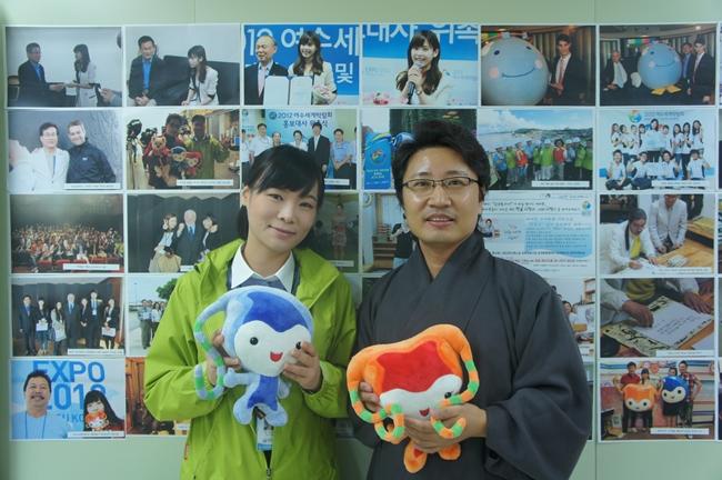 친구 사라와 한한국 작가님.