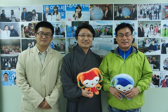 유랑제이와 한한국 작가님, 그리고 조용환 실장님.