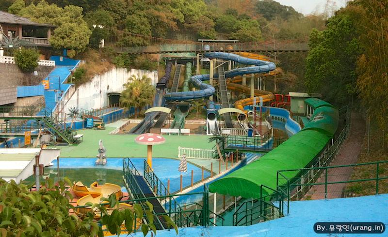 타이완 민속촌은 운영이 잘 안되는지 놀이공원까지 만든 듯 했다.