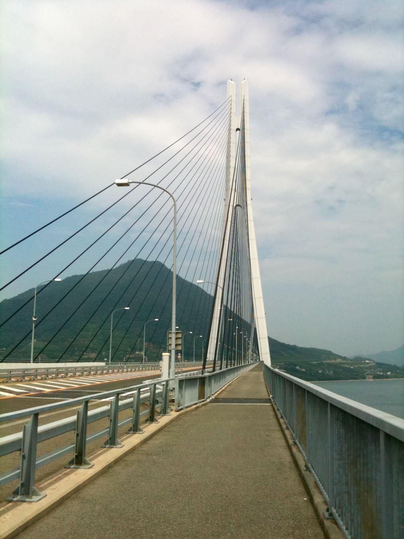 이마바리 오오미시마(今治 大三島)와 오노미치의 이쿠치시마(尾道 生口島)를 연결하는 다리
